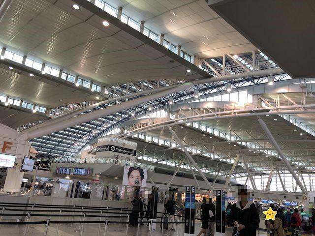 福岡国際空港出発ロビー