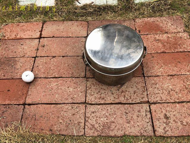 鍋2つを重ねてフライパンを蓋にすると1つにまとまる